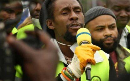 Jah Cure Helps to Keep the Streets of Kenya Clean